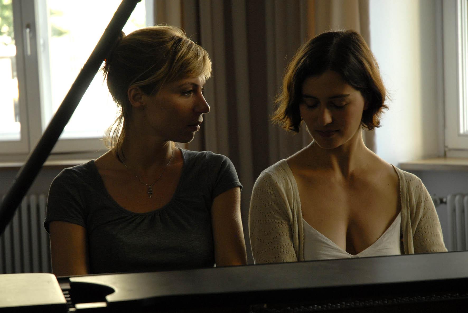 Lesbian piano teacher